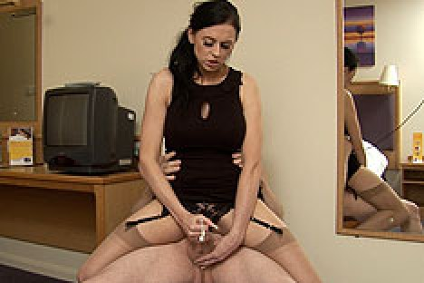Amateurcfnm.com Louise Jenson in Straddle Wank  Siterip Video 1280x720 mp4 PORN RIP