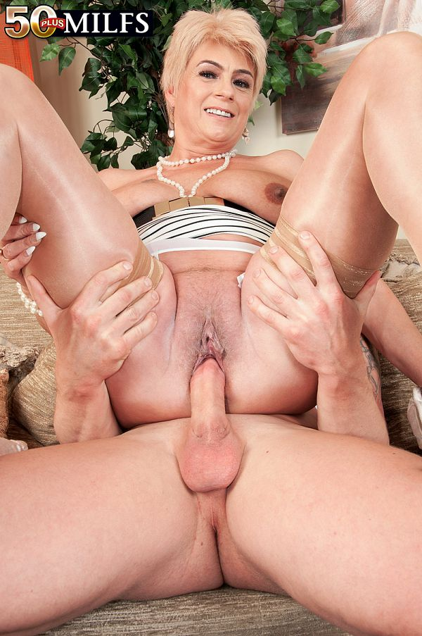 50PlusMilfs Watch the British GILF who loves being watched - Dimonty (51 Photos)  Video X264 Siterip by Score PORN RIP