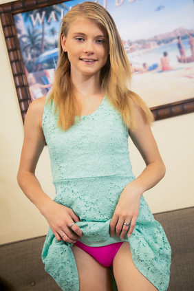Nubiles.net Hannah Hays in Fresh Faced Cutie  [Siterip IMAGESET zip Archive] PORN RIP