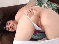 WeareHairy Dion Dion strips naked on her brown sofa [FULL PICSET Highres WEBRIP] PORN RIP