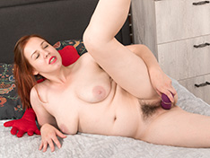 WeareHairy Lina Lina masturbates with her vibrator in bed [FULL PICSET Highres WEBRIP] PORN RIP