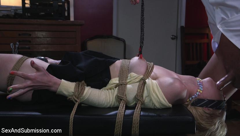 sexandsubmission Job Hunt Mar 1, 2019[Kink.com]  Siterip BDSM h.264 PORN RIP